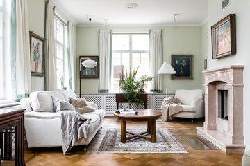 Klassista ilmettä ja rauhallista tunnelmaa olohuoneessa