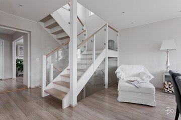Kaunis vaalea portaikko