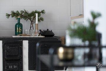 Ripaus vihreää keittiössä
