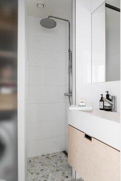 Kaunis pieni kylpyhuone