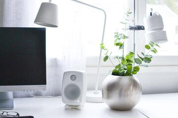 Upea ulkonäkö ja mahtava ääni – kaiuttimet kotitoimistoon