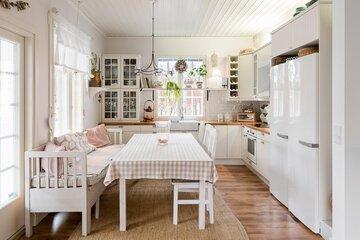 Kodikas ja hurmaava maalaisromanttinen keittiö