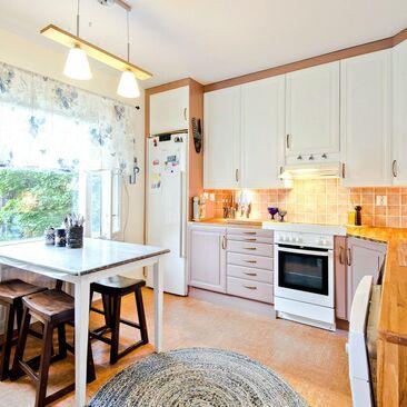 Moderni keittiö 7584220