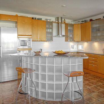 Moderni keittiö 9743129