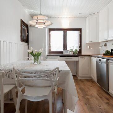 Perinteinen keittiö 7614760