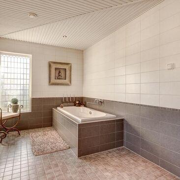 Perinteinen kylpyhuone 9866505