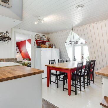 Perinteinen keittiö 9693316