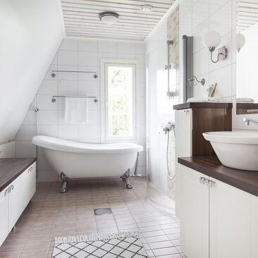 Perinteinen kylpyhuone 7641861