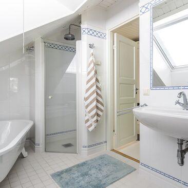 Perinteinen kylpyhuone 9646852