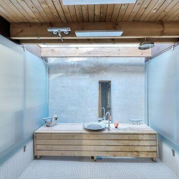 Teollinen kylpyhuone 9478045
