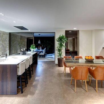 Moderni keittiö c22676