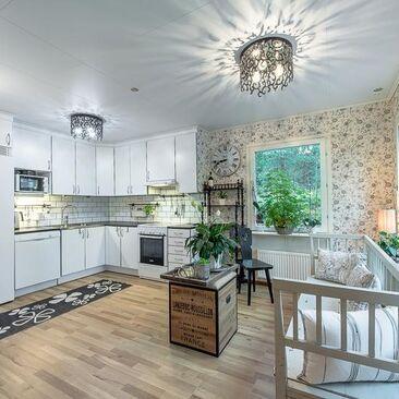 Perinteinen keittiö 7659128
