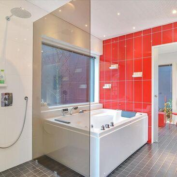 Moderni kylpyhuone 550403
