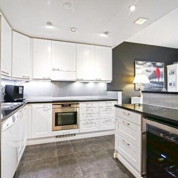 Moderni keittiö 7665283