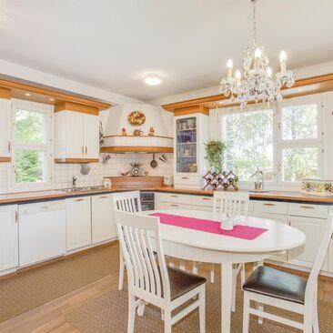 Perinteinen keittiö 9405350