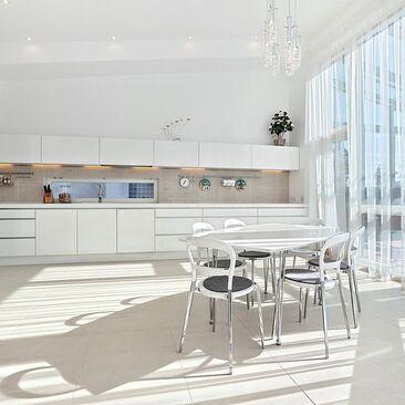 Moderni keittiö 9689470