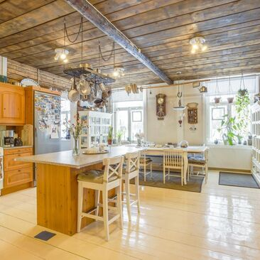 Maalaisromanttinen keittiö