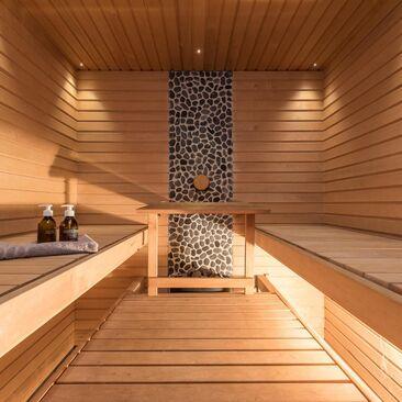 Kiviseinä on saunan tyylikäs yksityiskohta