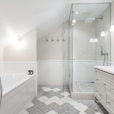 Kaunis ja harmoninen kylpyhuone
