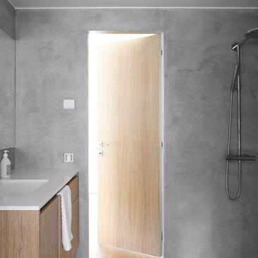 Tyylikäs ja helppohoitoinen mikrosementti-pinnoite kylpyhuoneessa
