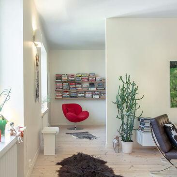 Moderni ja kodikas sisustus kerrostalokodissa