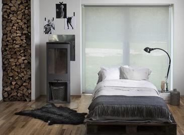 Valoa suodattava rullakaihdin auttaa huoneen lämpötilan säätelyssä
