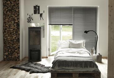 Tyylikkäät alumiinisälekaihtimet makuuhuoneessa