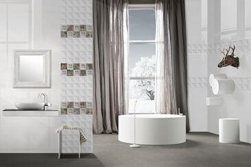 Rohkea, tyylitellyn moderni kylpyhuonesisustus