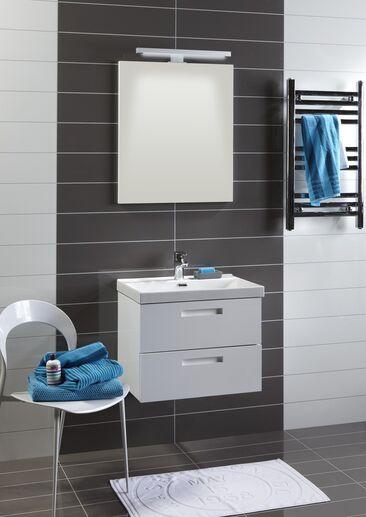 Modernit selkeämuotoiset kylpyhuonekalusteet