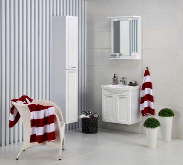 Tyylikkäät valkeat kylpyhuonekalusteet