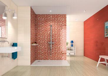 Kylpyhuone hehkuu upeissa korallin sävyissä