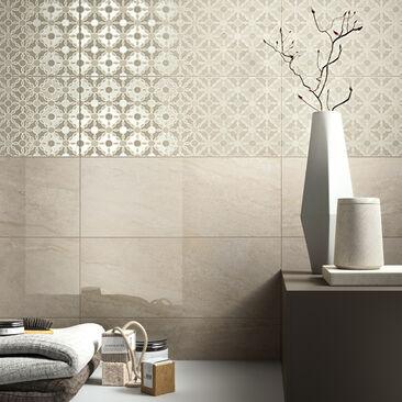 Kylpyhuoneen kauniit laatat