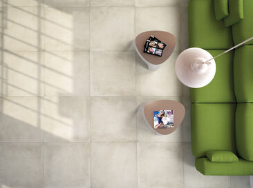 Tyylikäs lattiapinta suurilla laatoilla