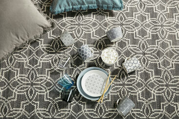 Marokko-henkistä kuviointia astioissa