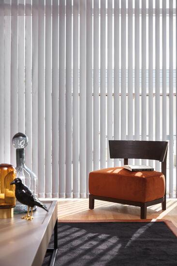 Modernit ja tyylikkäät lamellikaihtimet olohuoneessa