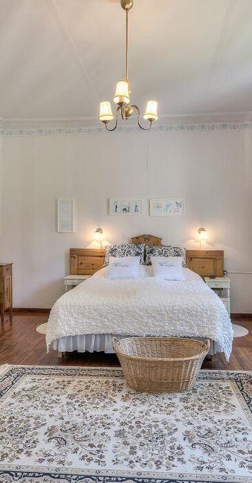 Perinteinen makuuhuone 9428945