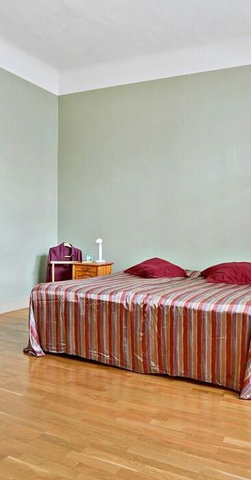 Perinteinen makuuhuone 9480940
