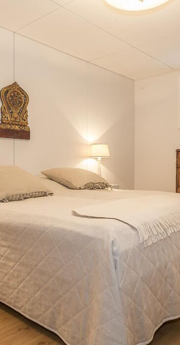 Perinteinen makuuhuone 9640455