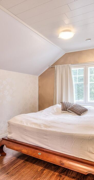 Perinteinen makuuhuone 9542263