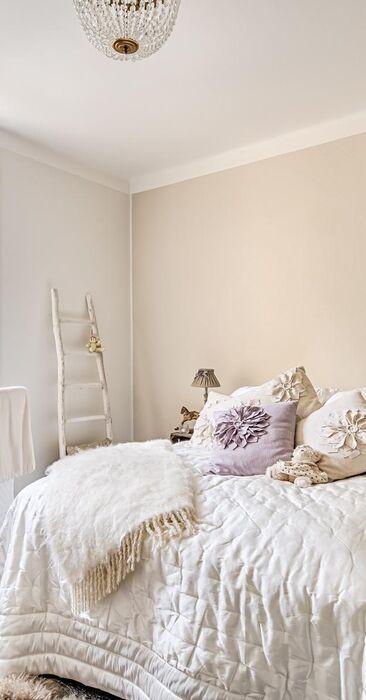 Maalaisromanttinen makuuhuone 9874451