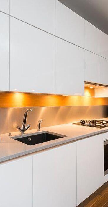 Moderni keittiö 9883664