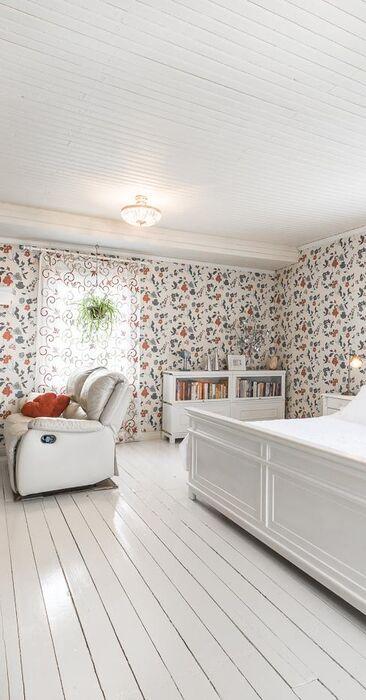 Perinteinen makuuhuone 9748218