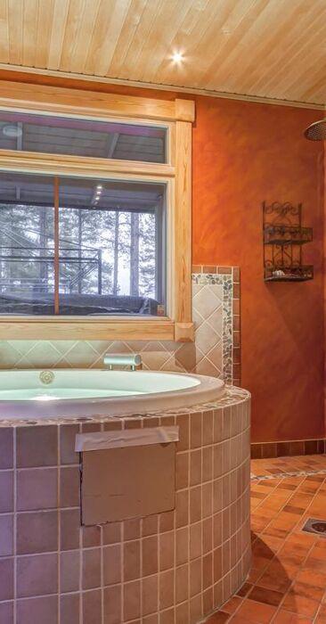 Perinteinen kylpyhuone c38279