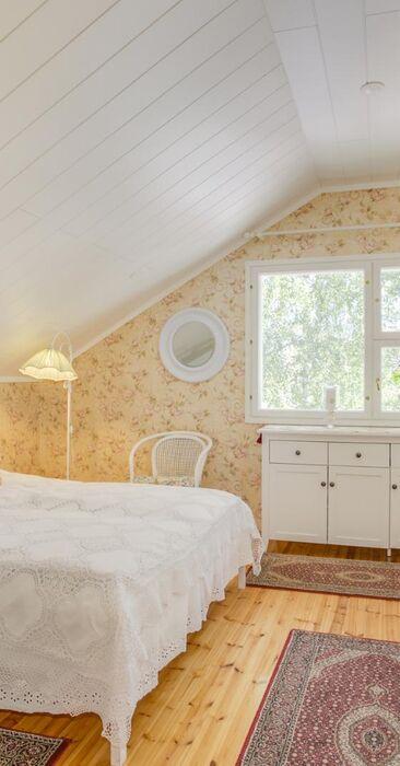 Maalaisromanttinen makuuhuone 9405350
