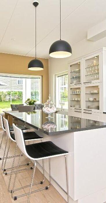 Moderni keittiö 7675423