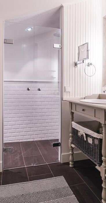 Maalaisromanttinen kylpyhuone