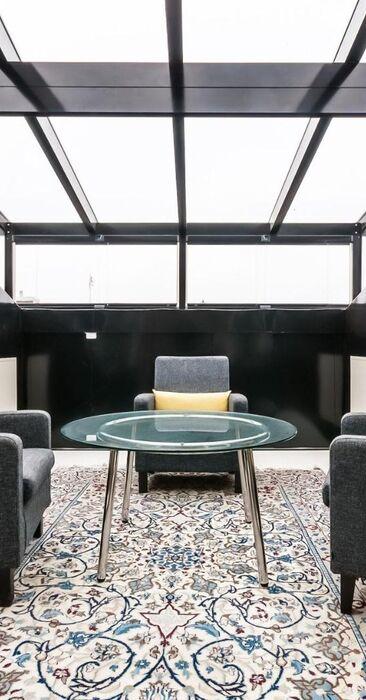 Moderni parveke kattohuoneistossa
