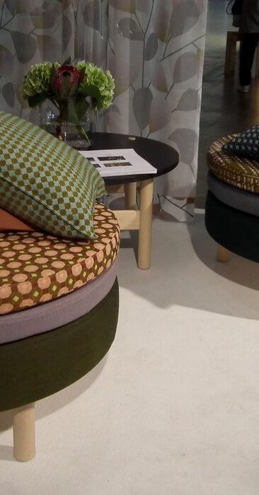 Harmonisia kokonaisuuksia värikkäillä tekstiileillä, Habitare 2014