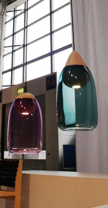 Valo ja väri kohtaavat näissä pelkistetyissä valaisimissa, Habitare 2014
