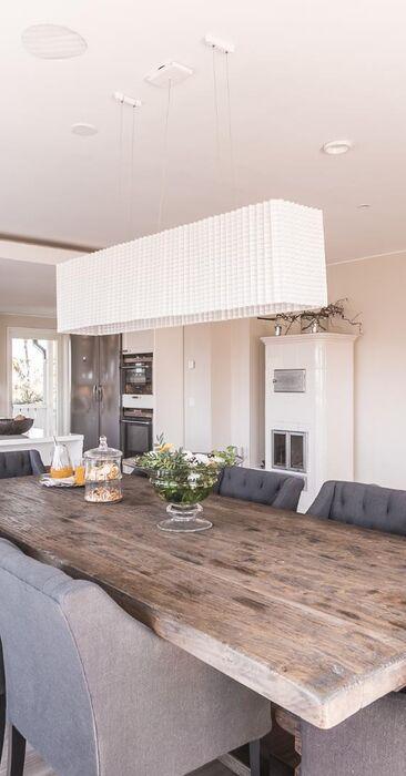 Kaunis keittiö ja ruokailutila